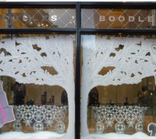 Paul Turner Displays blings up Boodles' window displays